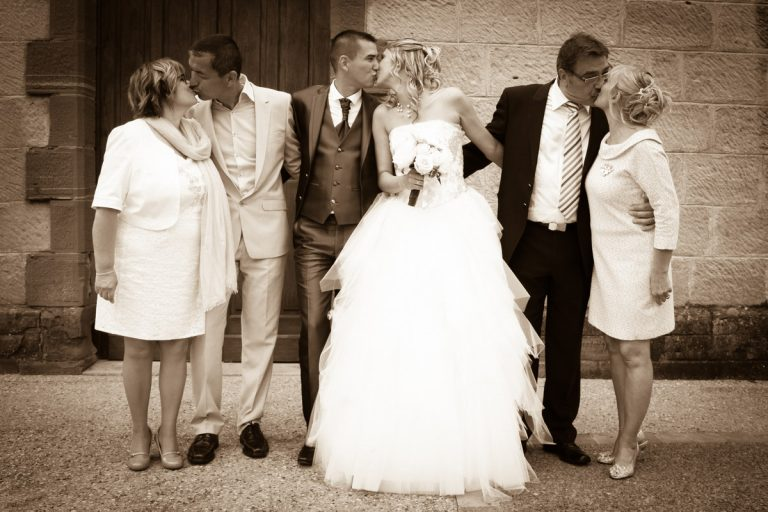 photo de mariage : photo de groupe originale avec les parents